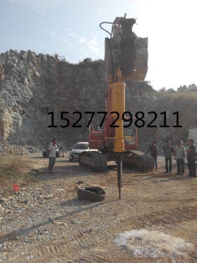 机载劈裂器开采岩石